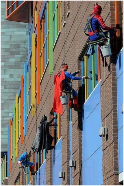 Superhero_windowashers